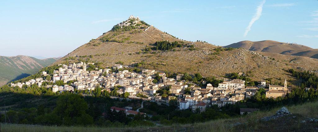 Veduta del centro e della Rocca superiore