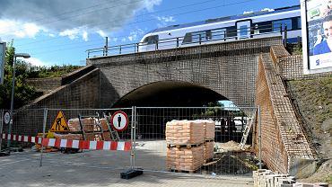 Remont wiaduktu kolejowego przy ulicy Grunwaldzkiej w Olsztynie.