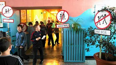 Akcja 'Bezpieczna przerwa' w Szkole Podstawowej nr 18 w Sosnowcu, 26 lutego 2015 r.