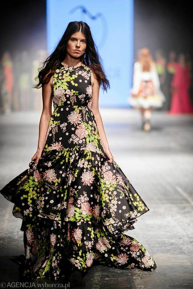 21.04.2016  Lodz ,  Fashion Week Poland Lodz pokaz Ewa Minge . . Fot . Marcin Stepien / Agencja Gazeta  SLOWA KLUCZOWE: moda pokaz mody