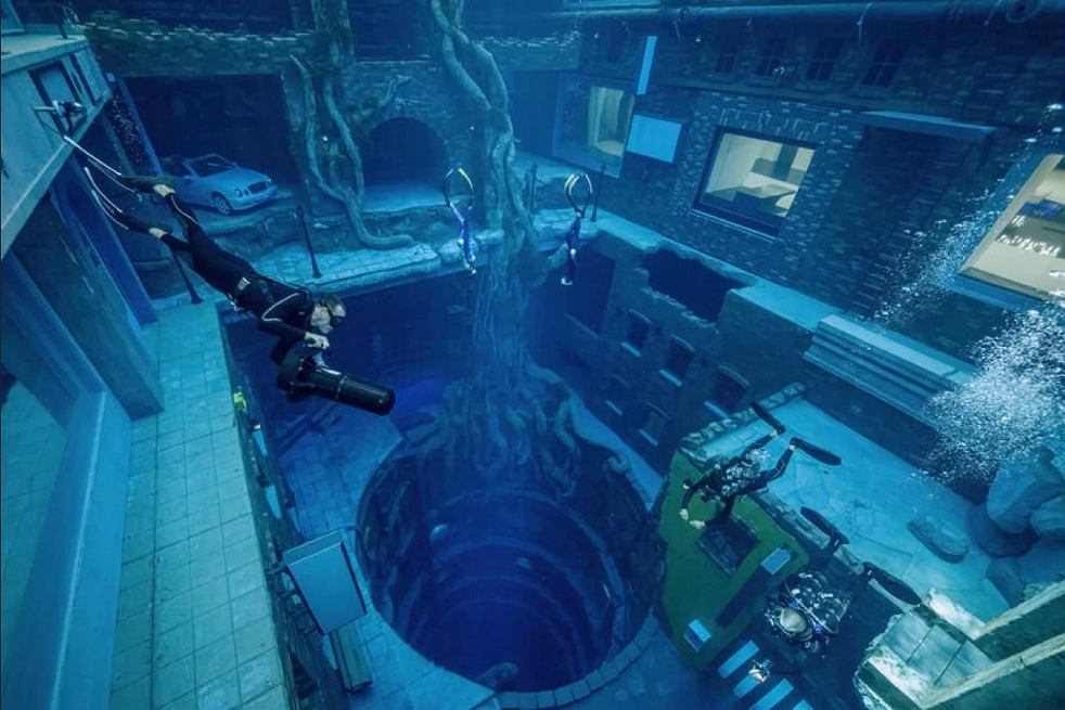 Najgłębszy basen na świecie Deep Dive Dubai