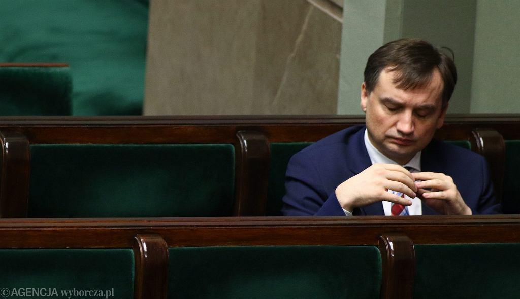 Minister sprawiedliwości Zbigniew Ziobro podczas debaty o KRS (fot. Sławomir Kamiński/AG)