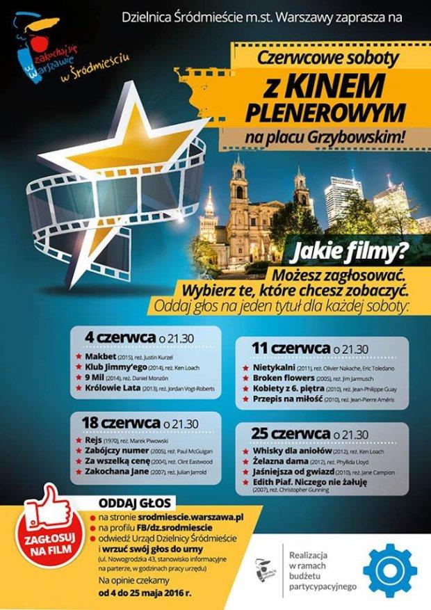 Kino plenerowe na placu Grzybowskim.