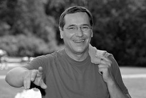 """Aktor teatralny i telewizyjny znany z roli Zenka Grzelaka w """"Barwach szczęścia"""" miał 71 lat."""