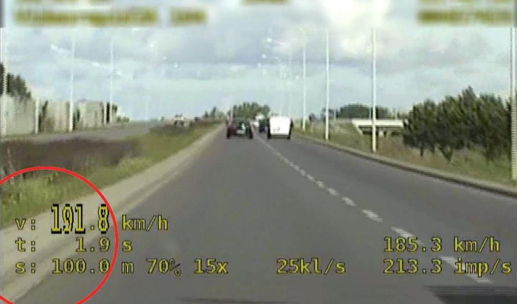 Pirat drogowy pędził 191 km/h przez miasto, Wrocław