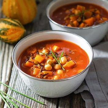 Indyjska zupa z soczewicą i pomidorami - idealna na rozgrzewkę