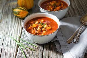 Zupa indyjska zsoczewicą i pomidorami