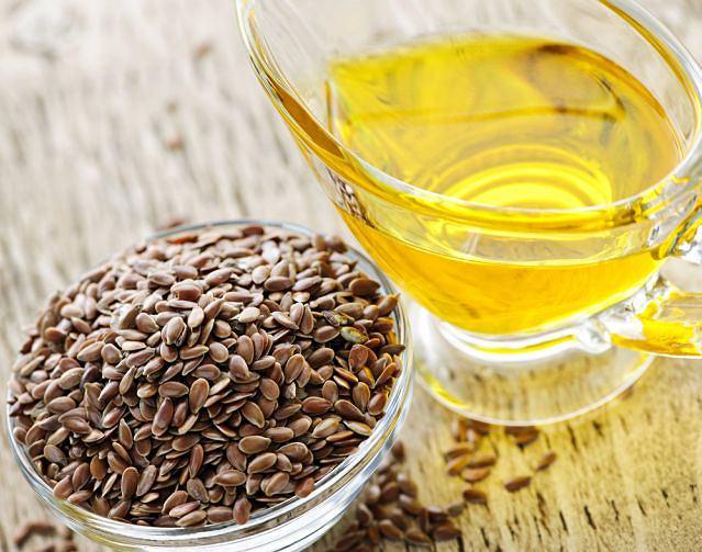 Olej lniany to bogactwo nienasyconych kwasów tłuszczowych.