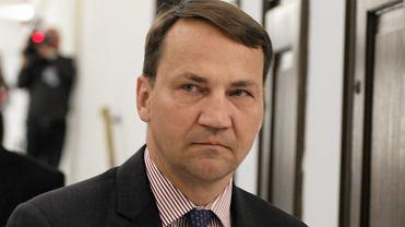 Marszałek Sejmu Radosław Sikorski podczas briefingu prasowego