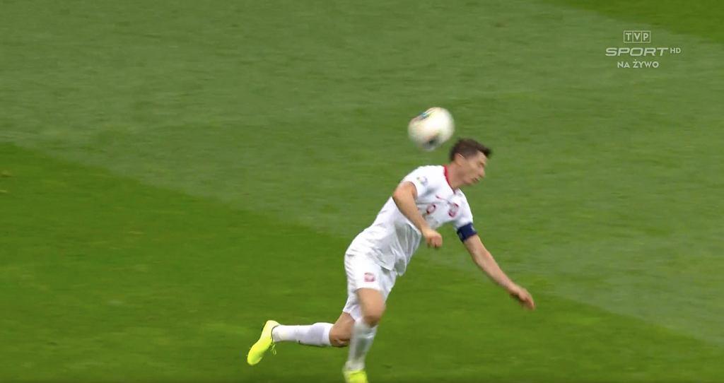 Robert Lewandowski podczas meczu Polska - Macedonia Północna
