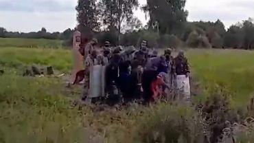 Migranci na granicy białorusko-litewskiej