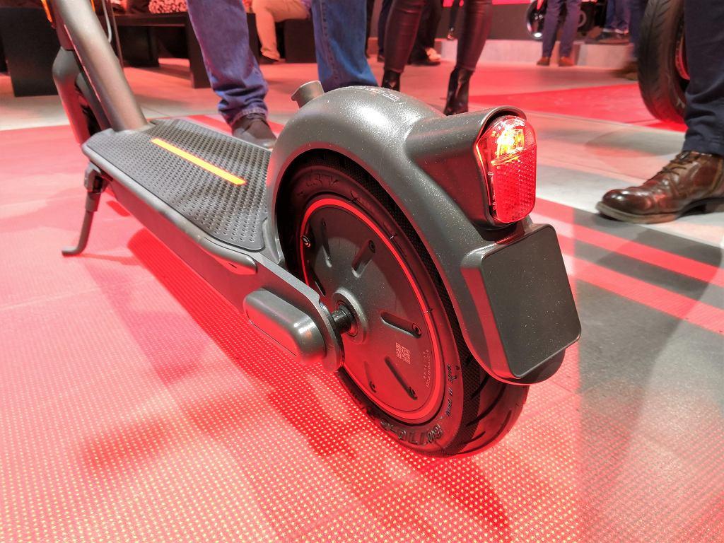 Seat prezentuje elektryczny skuter i hulajnogę w Barcelonie