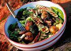 Kuchnia australijska. Piknik pod wisząca skałą