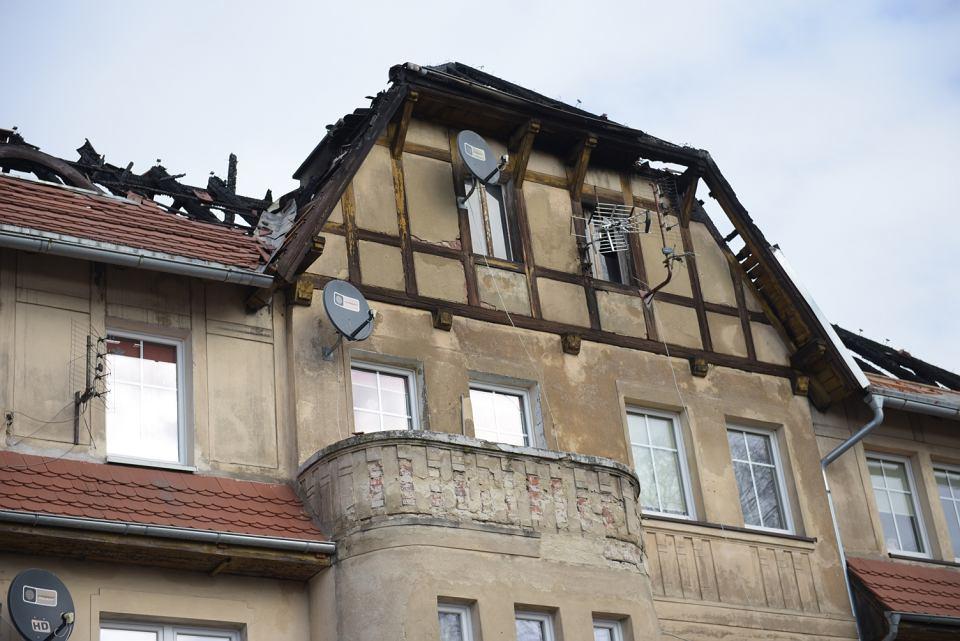 Pożar w Leśnicy. Palił się dach kamienicy przy ul. Krępickiej 48