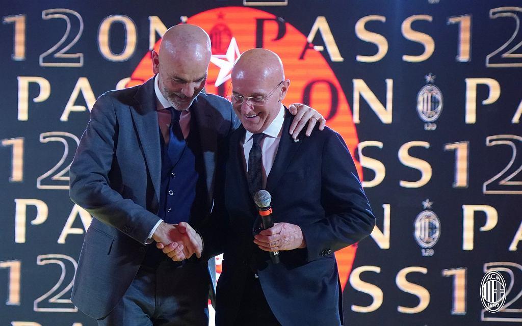 Stefano Pioli i Arrigo Sacchi - obecny oraz były trener Milanu