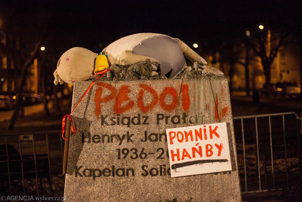 DProtest przeciwko ponownemu postawieniu pomnika Henryka Jankowskiego