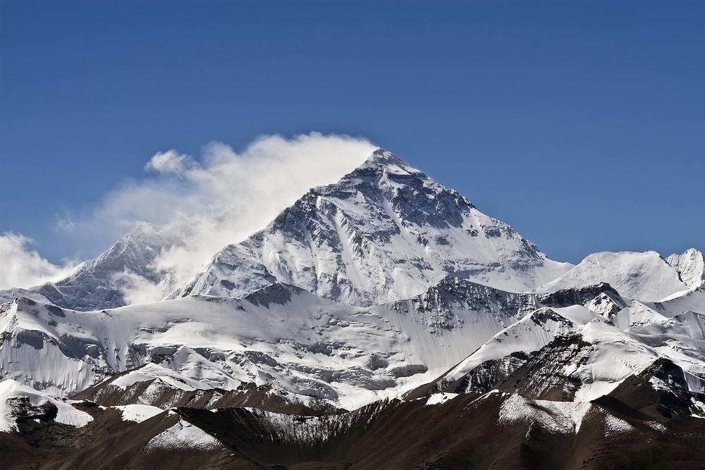 Mount Everest jest wyższy niż podawano