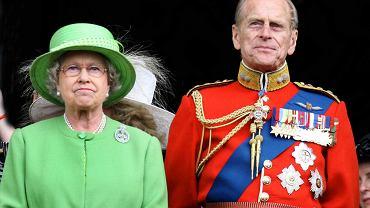 Królowa Elżbieta II i książę Filip od lat mieszkali oddzielnie. Teraz połączyła ich kwarantanna
