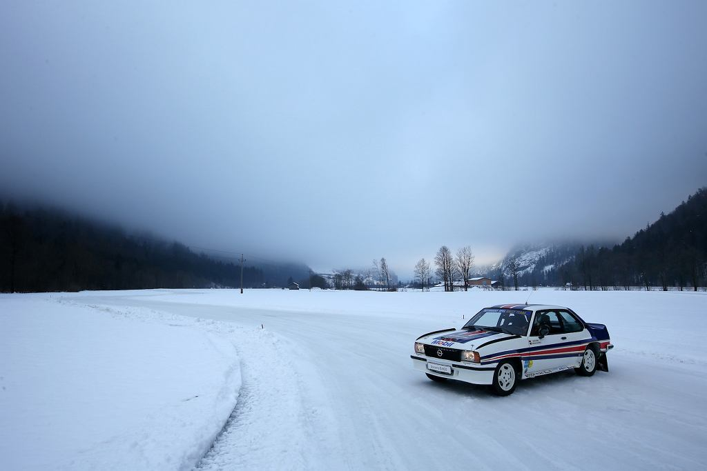 Opel Ascona 400