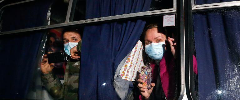 Ukraina. Minister zdrowia zamknie się na 14 dni z ewakuowanymi z Wuhan