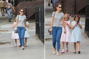 Katie Holmes wraz ze swoją córką Suri i jej koleżanką spacerowała po ulicach Soho. Czyżby je także dopadło szaleństwo na punkcie gry Pokemon? Zobaczcie sami!
