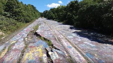 Droga pokryta graffiti w Pennsylwanii
