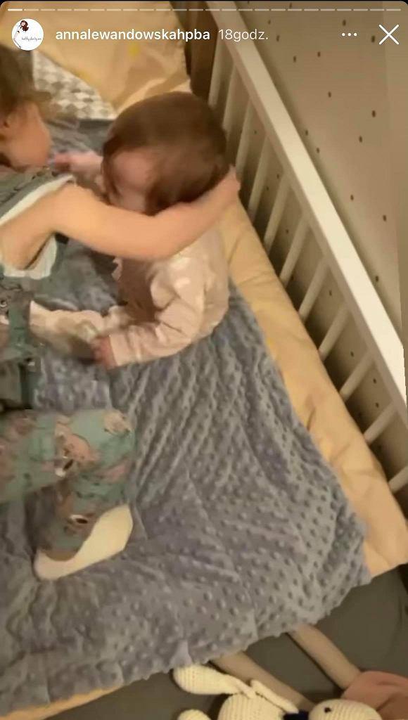 Anna Lewandowska pokazała urocze nagranie córeczek. Klara pociesza młodszą siostrę