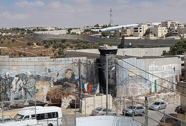 Mur separacyjny w okolicy Betlejem