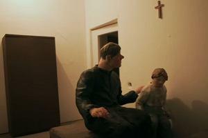 """Schemat działania pedofila. """"Dziecko napastowane na ulicy będzie krzyczeć. W domu trudno takiej reakcji oczekiwać"""""""