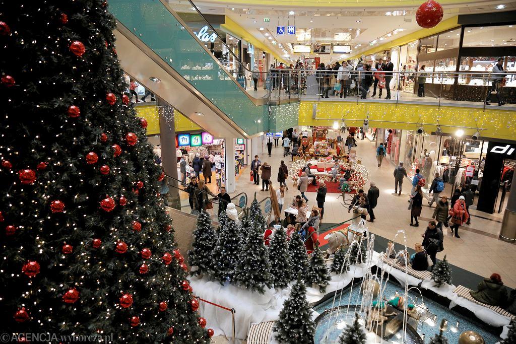 Galerie handlowe i sklepy będą w sylwestra czynne krócej