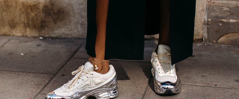 Te sneakersy Polo Ralph Lauren to najmodniejsze buty na wiosnę 2021! Kupisz je teraz na wyprzedaży!