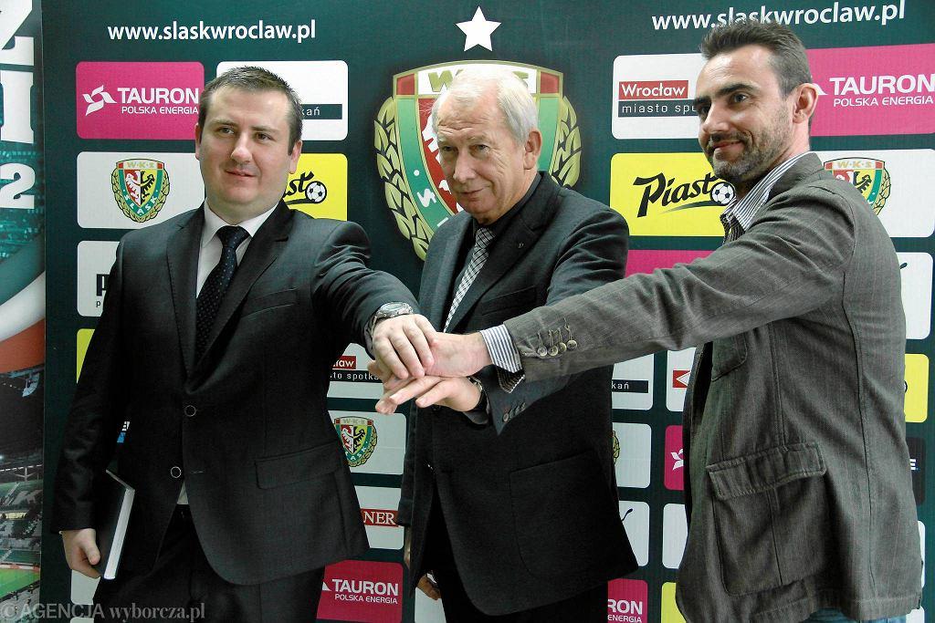 Od lewej: prezes Śląska Paweł Żelem, przewodniczący rady nadzorczej Włodzimierz Patalas i wiceprezes Marek Drabczyk.
