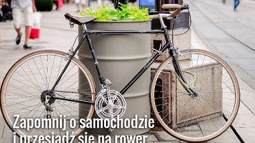 Zamiast jeździć samochodem, przesiądź się na rower albo korzystaj z komunikacji miejskiej