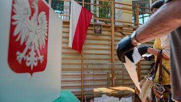 Wybory prezydenckie 2020 - głosowanie w Konopnicy.