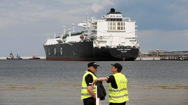 Amerykański gazowiec Clean Ocean przypłynął z pierwszą dostawa amerykańskiego gazu skroplonego do Terminalu LNG. Świnoujście, 8 czerwca 2017