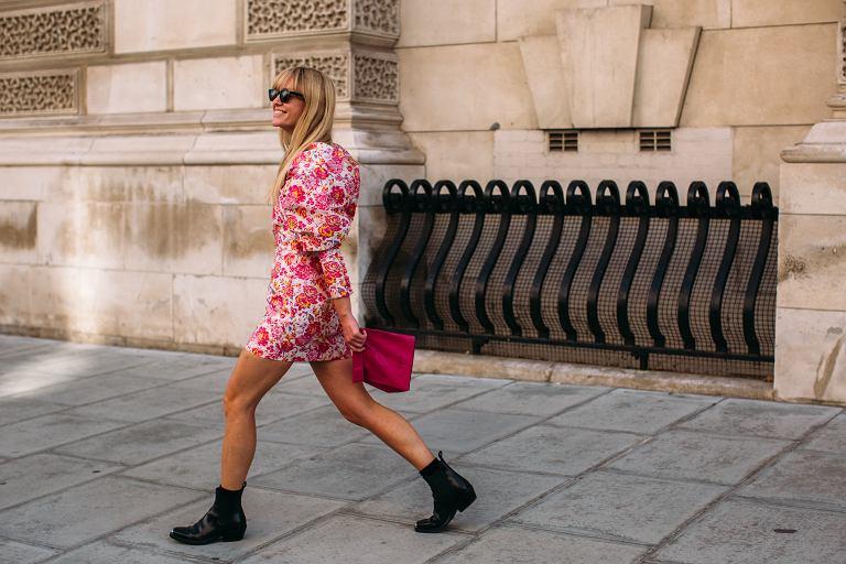 Sukienki to hit na lato! Jaką wybrać by wyglądać stylowo?