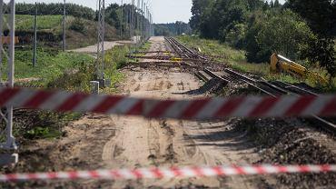Dęblin. Porzucony plac budowy - modernizację torów na odcinku Lublin - Dęblin realizowała przy pomocy podwykonawców firma Astaldi. 28 sierpnia 2018
