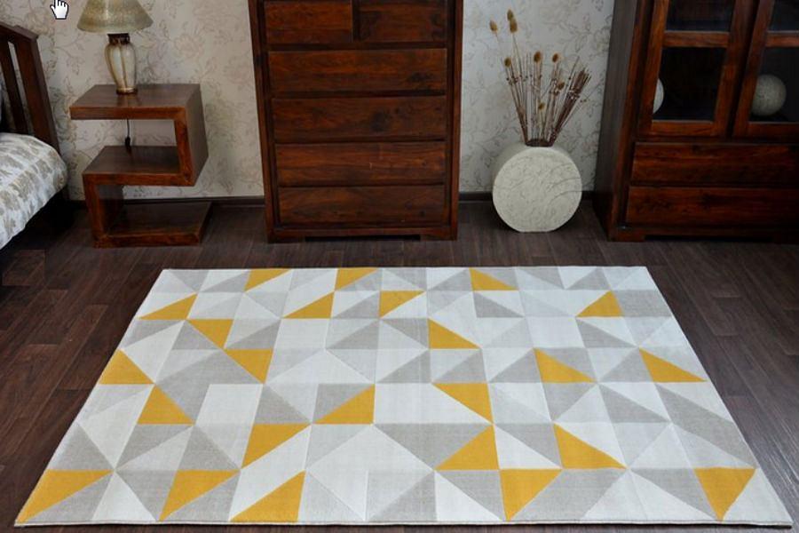 Kolorowy dywan doda wnętrzu wiosennego charakteru