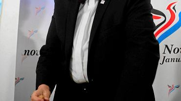 Janusz Korwin-Mikke wynik Nowej Prawicy w eurowyborach świętował szampanem