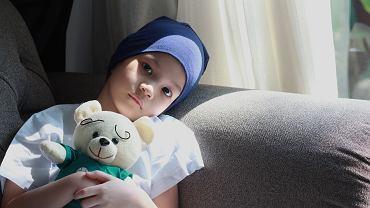 Chore na nowotwór dziecko nie powinno siedzieć w domu same. Należy je izolować tylko od osób, które mają ostre infekcje