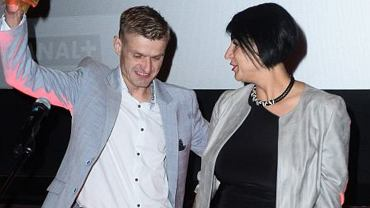 Tomasz Komenda z partnerką
