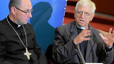 Ks. Adam Żak (z prawej) zajmuje się w polskim Episkopacie ochroną dzieci i młodzieży
