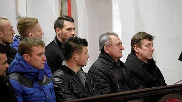 Wiceprezydent Jan Szopiński (pierwszy z prawej) modlił się w tym tygodniu z piłkarzami Zawiszy za awans do ekstraklasy