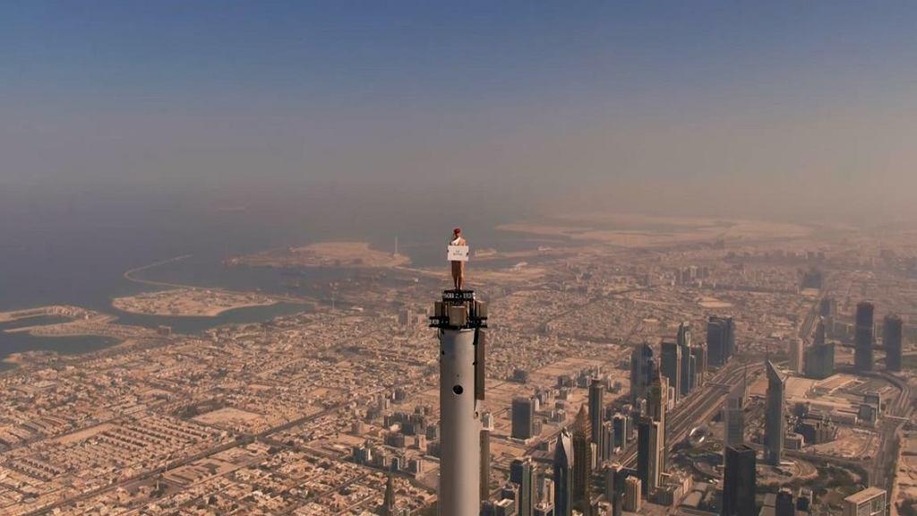 Nicole Smith-Ludvik na czubku najwyższego budynku świata