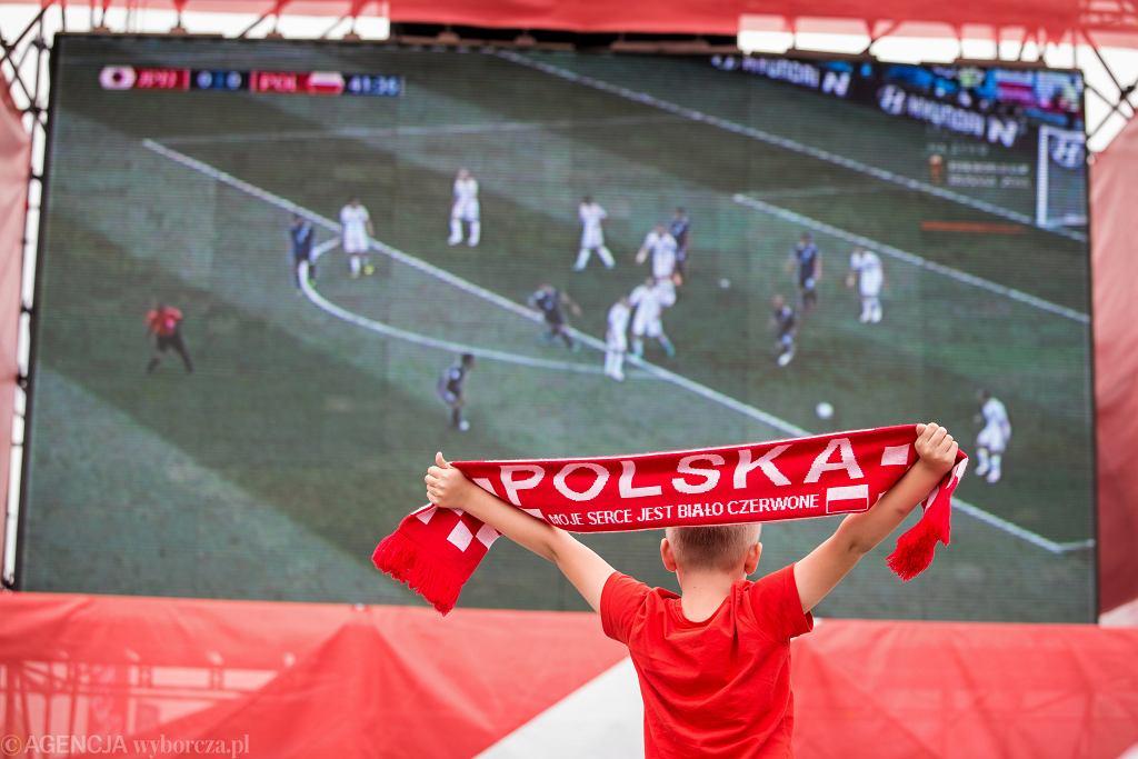 Doping fanów w strefie kibica podczas meczu Polska - Japonia . Mistrzostw Świata w Piłce Nożnej Rosja 2018