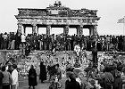 Mur berliński. Dlaczego nie została, żeby zobaczyć jego upadek?