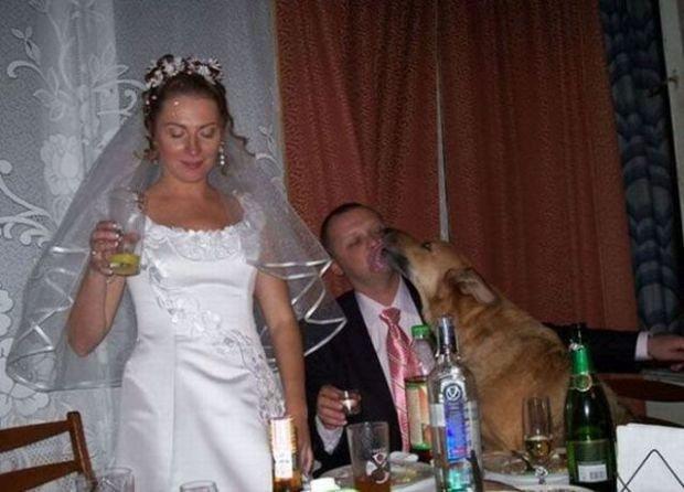 Widzieliśmy już bardzo dużo dziwacznych zdjęć, które zrobiono gdzieś w Rosji i chociaż zawsze staraliśmy się je zrozumieć, to często nam nie wychodziło. A co jeśli tego po prostu się nie da zrozumieć? Te fotografie są na to świetnym przykładem