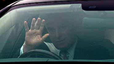 Książę Andrzej w drodze na spotkanie z matką, królową Elżbietą II. Dzień wcześniej zrezygnował z pełnienia obowiązków członka rodziny królewskiej w związku ze skandalem pedofilskim