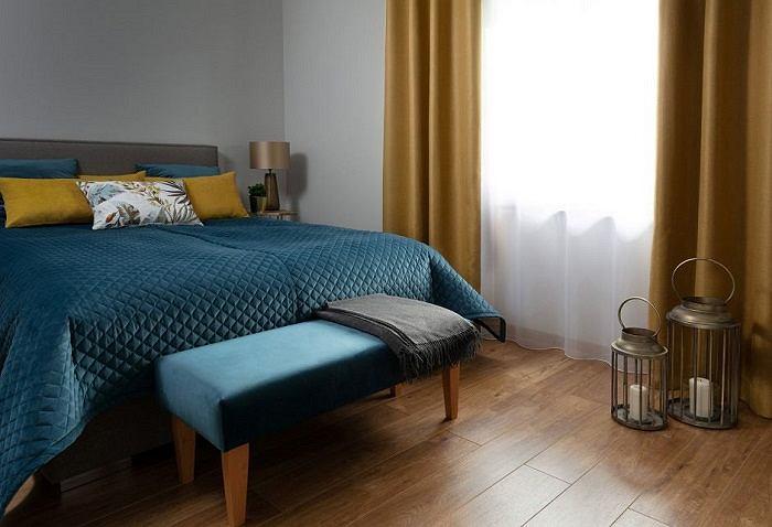 Aksamit w sypialni