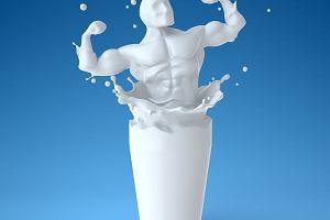 Pij mleko, będziesz wielki? A może: pij mleko, będziesz kaleką? Kontrowersje nie ustają [NaZdrowie]